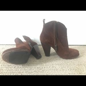 Frye's ankle boots